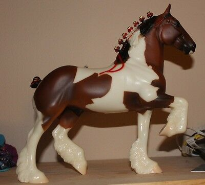 Peter Stone Bay Pinto Matte Trotting Draft Horse With Box