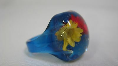 Vintage Translucent Blue & Clear Lucite Flower & Glitter Inclusion Ring - Size 7
