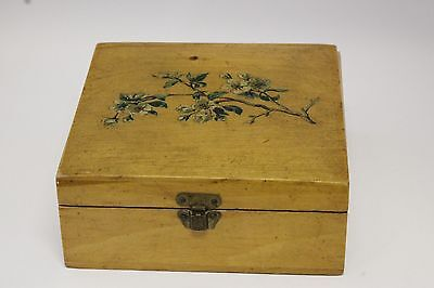 """Vintage Brook's Sewing Cotton Thread Spool Wood Hinged Box 4 1/4"""" Square"""