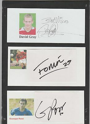 Signed card by DAVID GRAY the MANCHESTER UNITED Footballer