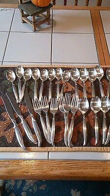 1847 Rogers Bros Silverware, Flair pattern, 26 pieces