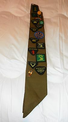 Vintage Brownie Sash With 17 Badges/patches