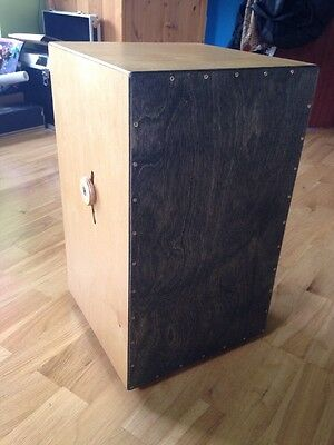 Cajon With Adjustable Snare