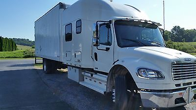 2009 Freightliner M2 Expeditor Truck