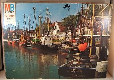 Vintage 1977 MB Magnum 2000 pc. puzzle #4280-9 ''The Fleet's In'' - USED
