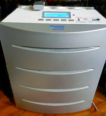 Russel Hobbs Mountain Breeze Air purifier with remote control