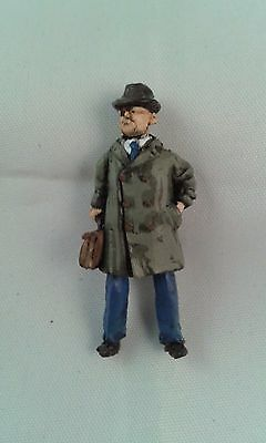 O Gauge Railway Figures -(ORF024) Man with brief case