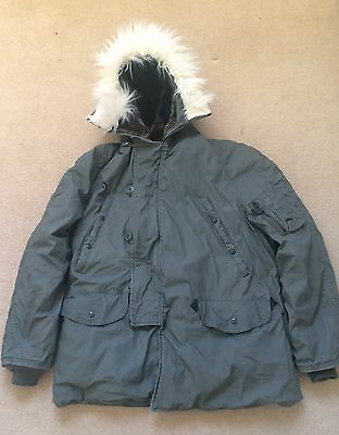 Genuine Us Army Extreme Cold Weather Parka. Large