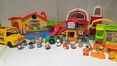 Incredible- Huge Fisher Price Little People Houses/ Playsets Figures Lot!