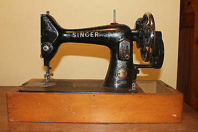 Vintage Singer Sewing Machine 99K Model - not currently working