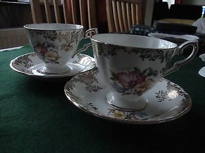 Royal Standard bone china - 2 cups and saucers