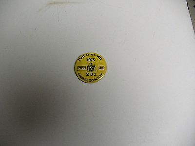 1975 State Of New York Conservation Dept License Guide Pin Badge Great Condition