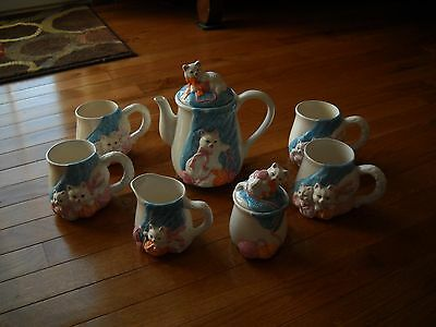 Four Cat Mugs, Suger, Creamer, And Teapot Or Coffee Pot Set.