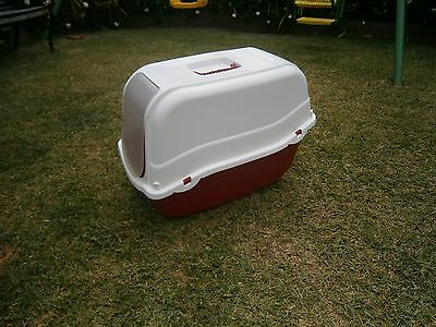 Kitty Litter Tray Red & White ~  with Hood and Flap Door
