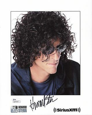 HOWARD STERN HAND SIGNED 8x10 COLOR PHOTO        AWESOME POSE          JSA