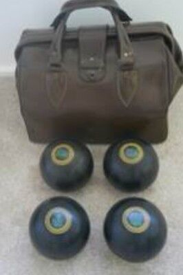 Henselite Lawn Bowls Size 5 With Carry Bag