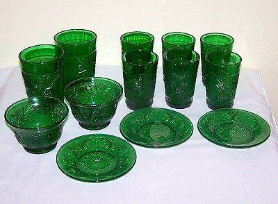 "13 Pieces - Anchor Tiera Forest Green, 3 1/2"" & 4"" Juice, Custards & Liners"
