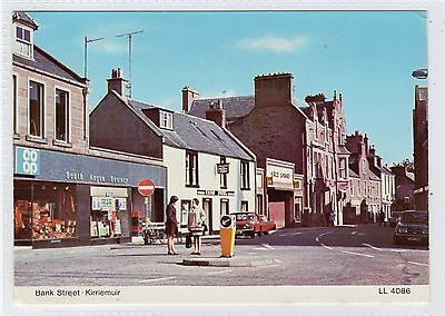 BANK STREET, KIRRIEMUIR: Angus postcard (C23467)