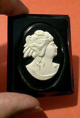 Cameo Black And Cream Celluloid