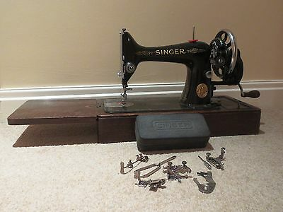 VINTAGE 99K SINGER MANUAL SEWING MACHINE on Wooden Base
