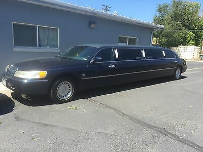 2001 Lincoln Town Car vip limo 120 Lincoln VIP Limo 120'