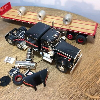 Kenworth Semi Truck Model Plastic With Flatbed Trailer for Restore Parts AS IS