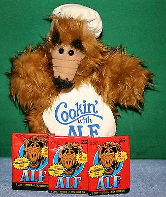 Vintage ALF Cookin' With ALF Plush Hand Puppet Toy & 3 Packs Alf Trading Cards