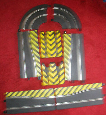 SCALEXTRIC hazard track  2 pairs side swipes/ flying leap/radius 1 chicane curve