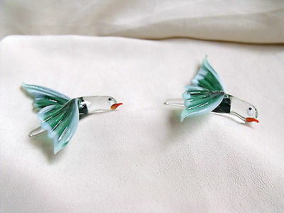 Lovely Pair Of Collectable Green Glass Flying Birds
