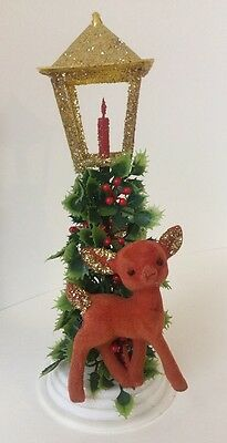 VINTAGE GLITTER Deer w/ Holly And Candles CHRISTMAS LAMP POST HOLIDAY DECORATION