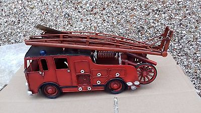 Tin Plate Model of a Vintage Old Style Large 30cm Fire Engine Red