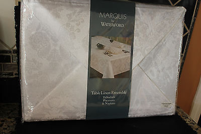 Marquise By Waterford Table Linen Ensemble 13Pc Set.
