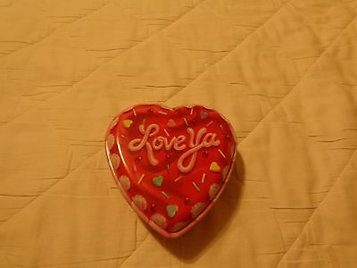 """Love ya"" VALENTINE HEART SHAPED PLASTIC BOX NEW"