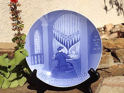 "BING and GRONDAHL 1910 ""THE OLD ORGANIST"" ANNUAL CHRISTMAS PLATE"