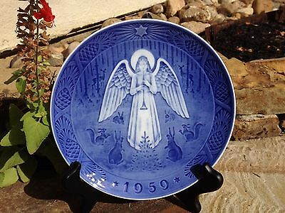 ROYAL COPENHAGEN 1959 ANNUAL CHRISTMAS PLATE 'CHRISTMAS NIGHT' by H. Hansen