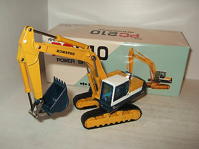 New GW K-004 Komatsu Tracked PC210 Power Shovel Diecast Model with features