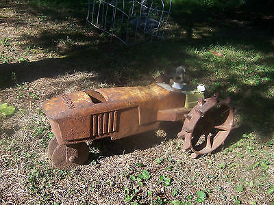 Vintage NELSON Lawn Sprinkler   Yellow Tractor Cast Iron