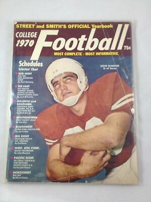 1970 Street and Smith's Football Yearbook - Steve Worster, Texas Longhorns