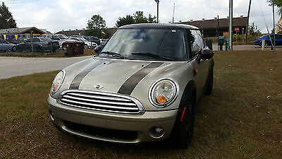 2009 Mini Cooper Base Hatchback 2-Door 2009 MINI COOPER
