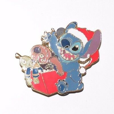 Disney Auctions Stitch Opens Present Christmas Holiday Jumbaa Le 1000 Pin