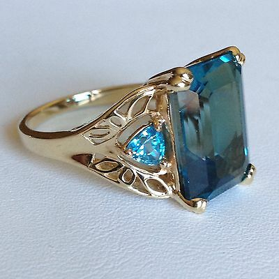 Vintage 10K Yellow Gold Large Blue Topaz With Accents Ring 5.2 Gr Size 8.25