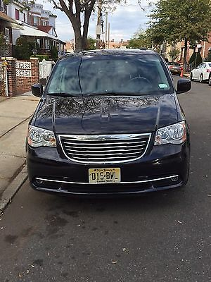 2011 Chrysler Town & Country Touring 2011 Chrysler Town & Country Touring / Touring L