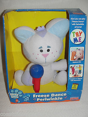 Blue's Clues Plush Periwinkle Freeze Dance Singing Talking Cat  2000 New in Box