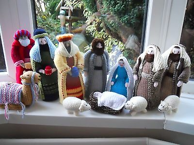 Brand New Hand Knitted High Quality Large 13 Piece Nativity Set Superb Gift