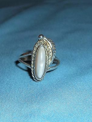 Vintage Old Pawn Sterling Silver Mother Of Pearl Ring