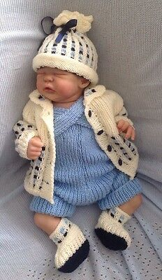 """NEW HAND KNITTED 4 PIECE OUTFIT Cardigan Dungarees Hat 0-3 MONTHS 19-22"""" REBORN"""