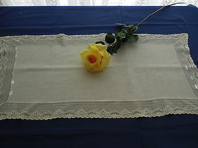 Vintage Cotton Runner With Wide Lace Border
