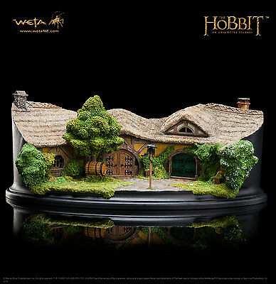 The Hobbit: An Unexpected Journey : The Green Dragon Inn - In Stock