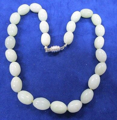 Ladies Vintage Hand Knotted Jade Necklace
