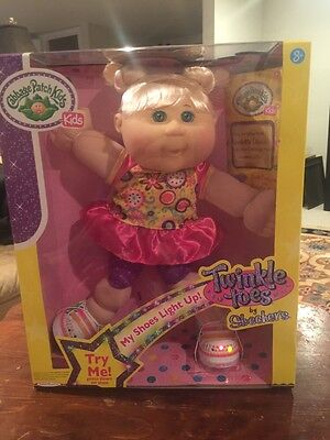 Cabbage Patch Kids Twinkle Toes by Skechers - Blonde Hair Green Eyes - NEW!